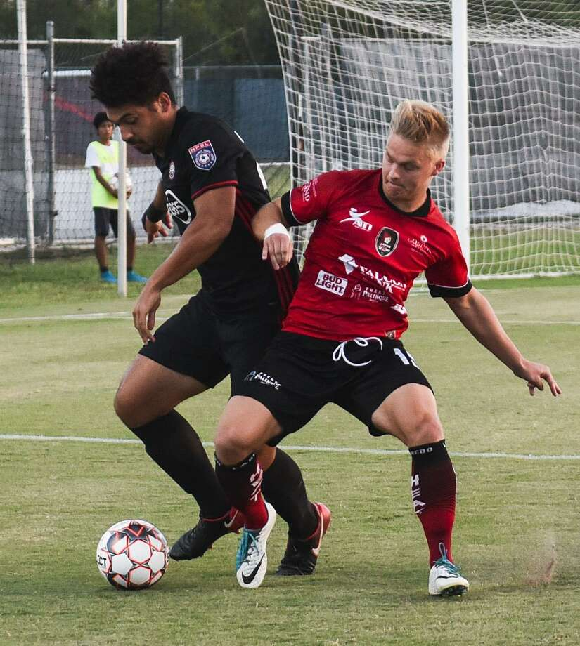 Petteri Pietola and the Laredo Heat suffered their first loss Tuesday getting eliminated with a 2-1 overtime loss to the Little Rock Rangers in the South Region semifinals. Photo: Danny Zaragoza /Laredo Morning Times