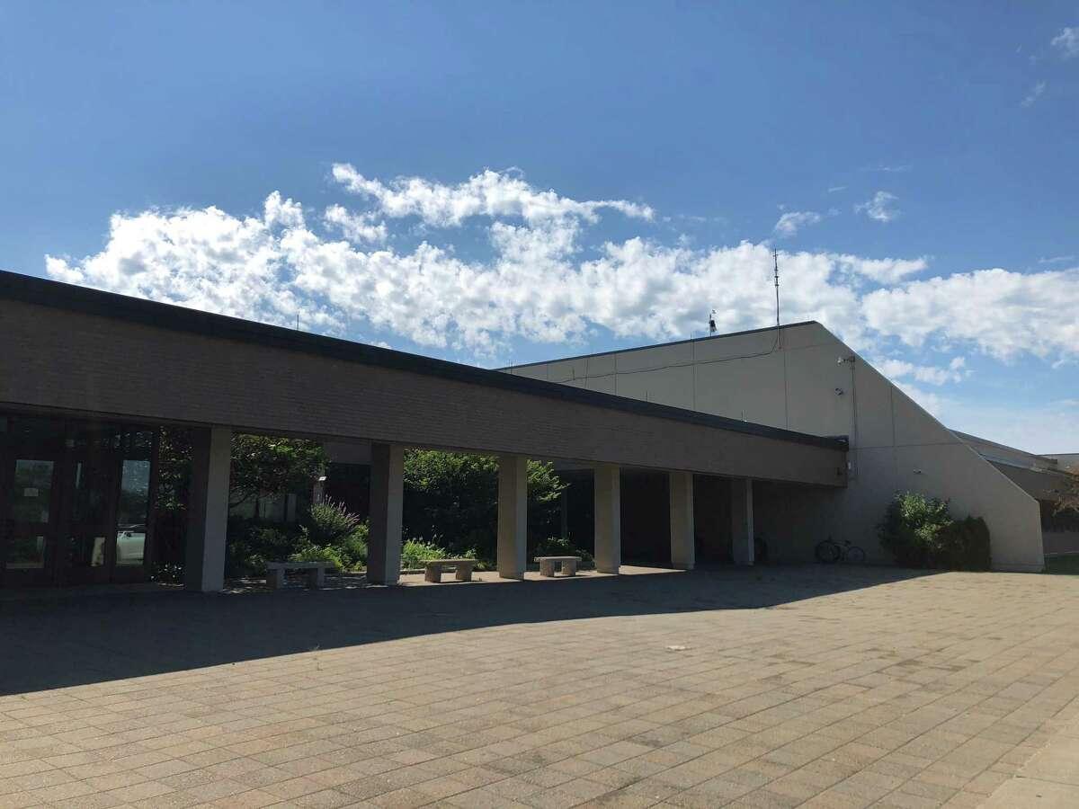 New Canaan High School