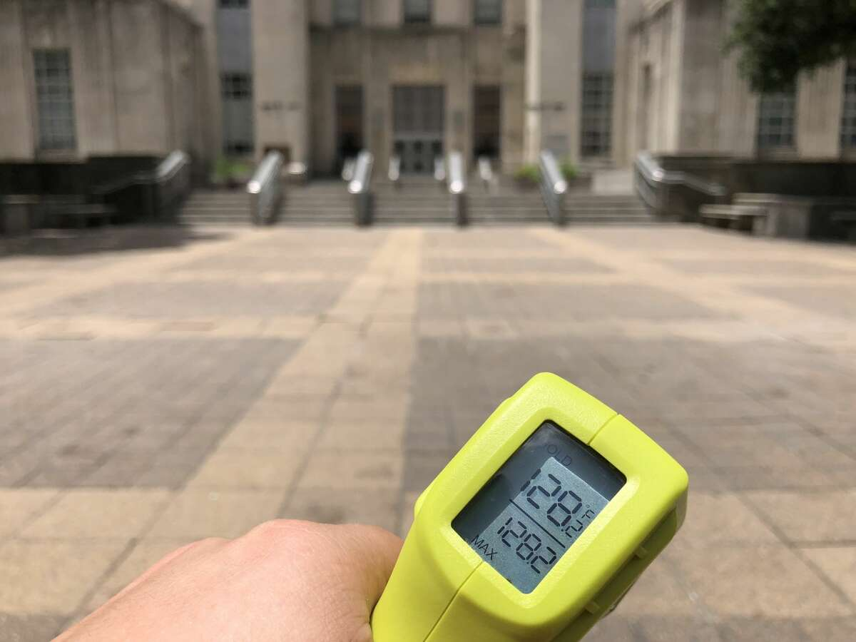 Houston City Hall 128 degrees