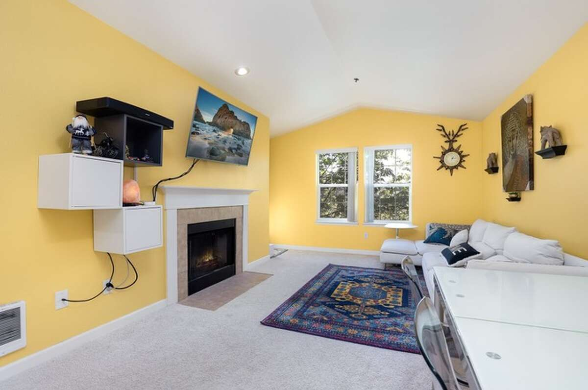 2500 118th Avenue, listed for $420,000.