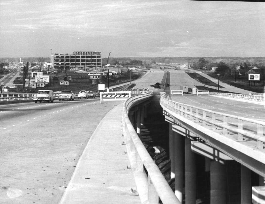 Looking north from the Loop 610 interchange at the Southwest Freeway, January 1963. Joske's Department Store can be seen at left in the background. Photo: Tom Colburn/Houston Chronicle