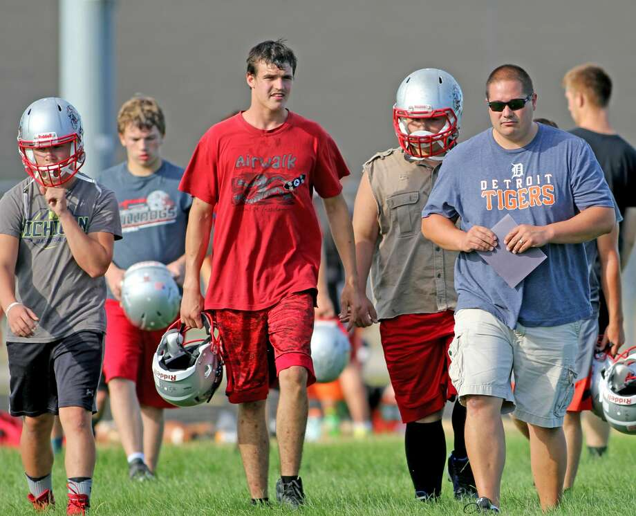 Scenes from the 7-on-7 between Owendale-Gagetown and Bad Axe Wednesday night. Photo: Mike Gallagher/Huron Daily Tribune