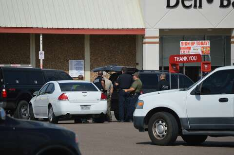 Vidor PD evacuates shopping center due to 'suspicious