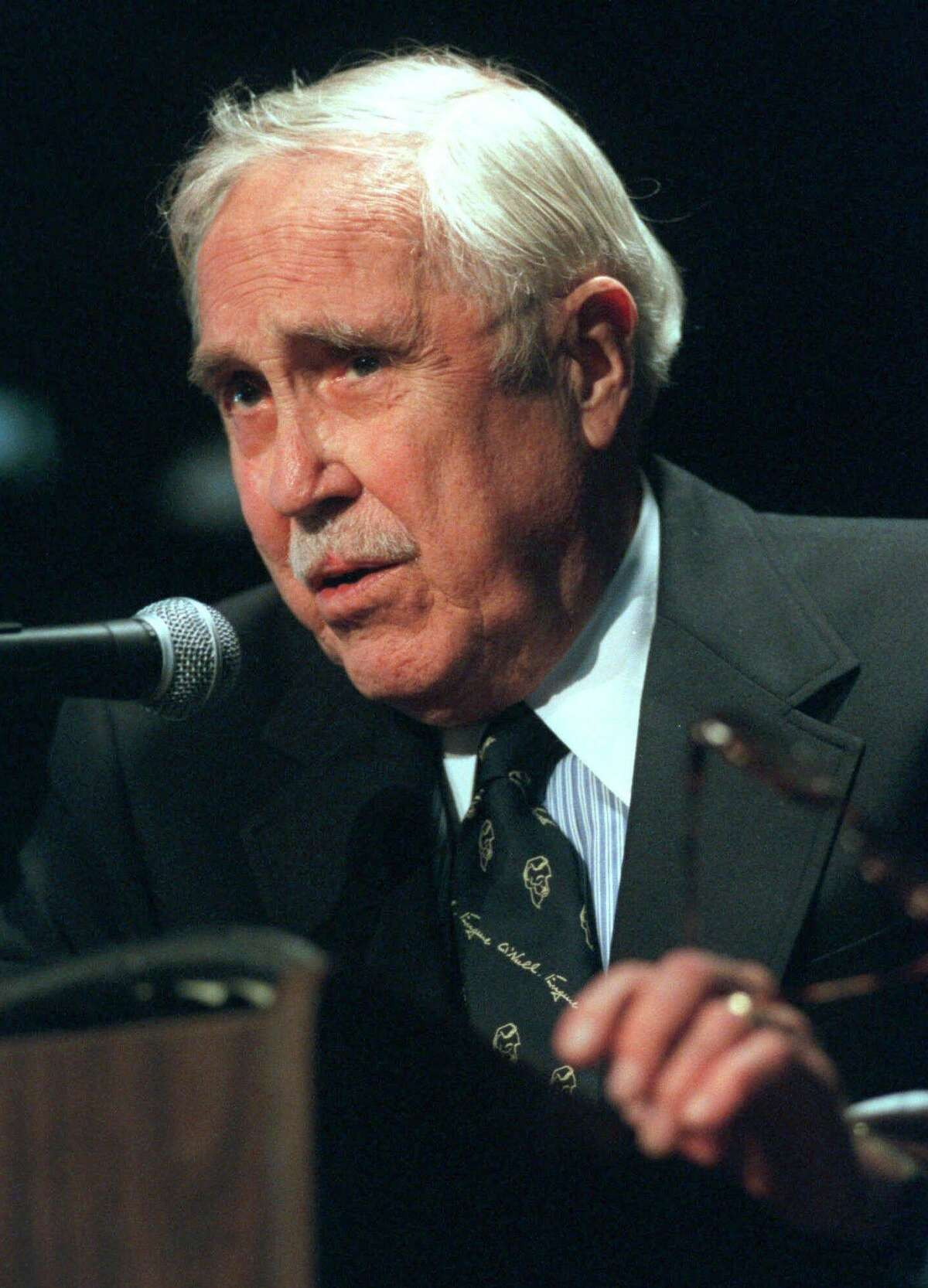 """The late actor Jason Robards speaks while receiving the Monte Cristo Award for """"distinguished artistic achievement in the spirit of Eugene O'Neill's pursuit of excellence"""" at the Eugene O'Neill Memorial Theater Center in Waterford, in October, 2000. He died two months later at the age of 78."""