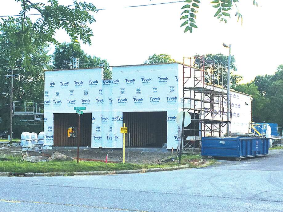 Smoothie King will occupy a new building beging constructed at 1501 Troy Road. Photo: Bill Tucker/Intelligencer
