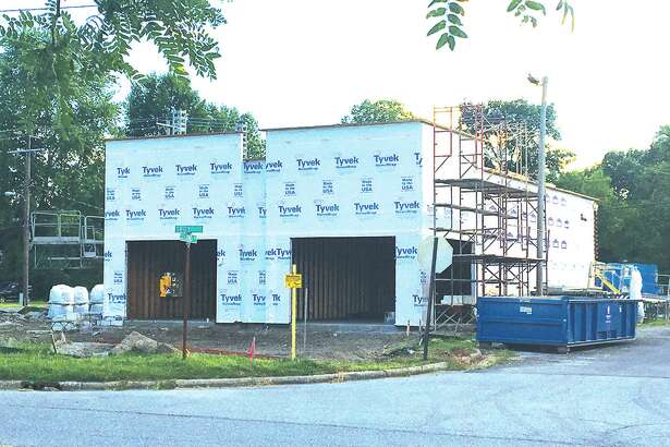 Smoothie King will occupy a new building beging constructed at 1501 Troy Road.