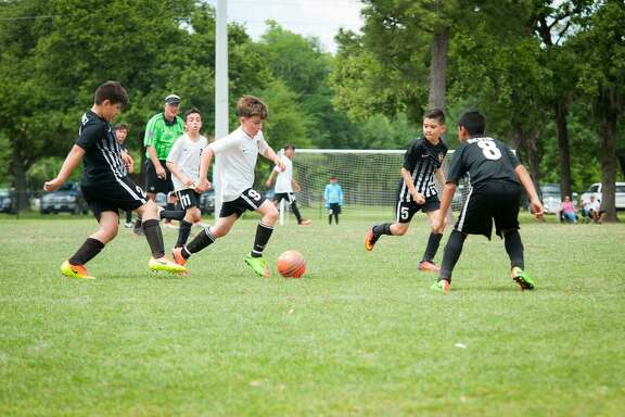 Texas United Futbol Club, a non-profit volunteer parent run organization, offers a safe atmosphere for practice and play, quality professional training and organized game competition.
