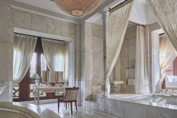 Private jet magazine Elite Traveler just released its list of the top 100 hotel suites for 2018.  The list includes categories such as the largest suites and the most expensive suites around the world.