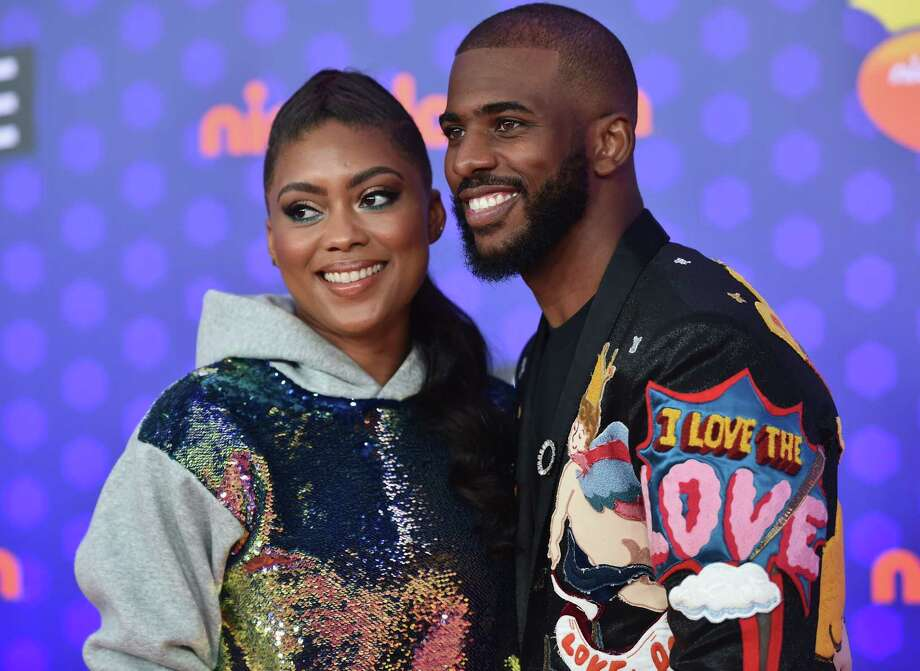 PHOTOS: Chris Paul and his Rockets teammates at the Nickelodeon Kids' Choice Sports Awards
