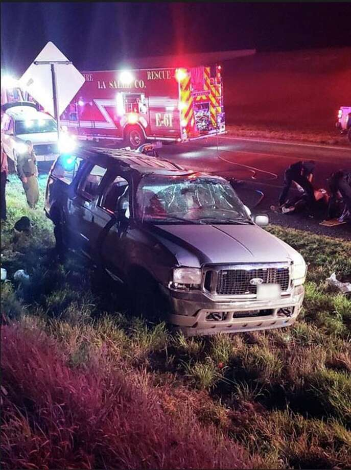 Ten undocumented immigrants were injured following a rollover on I-35. Photo: Courtesy