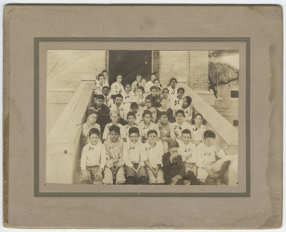 """Keep scrolling to see what """"Remember when in Laredo, Texas"""" Facebook group is reminiscing. Central School, Laredo, 1919 Photo: Laredo Public Library"""