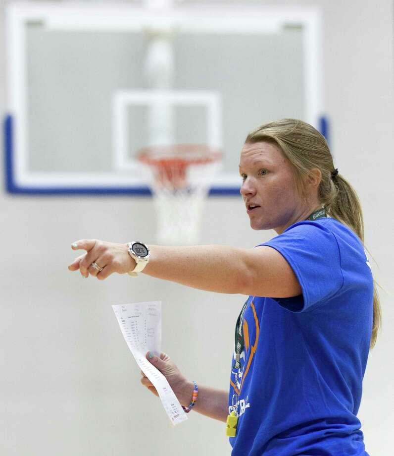 Grand Oaks girls basketball coach Shayna Brown will lead the Grizzlies in their inaugural season. Photo: Jason Fochtman, Staff Photographer / Staff Photographer / © 2018 Houston Chronicle