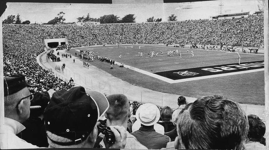 Old Kezar Stadium was creaking at its ancient joints as 57,000 jammed their way in to see the game between the 49ers and the Raiders on Sept. 1, 1968. Photo: Art Frisch / The Chronicle 1968