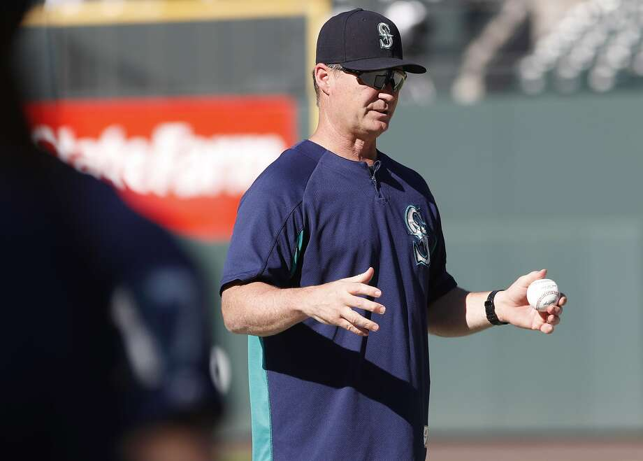 Seattle Mariners Manager Scott Servais Gets New Haircut Thanks To