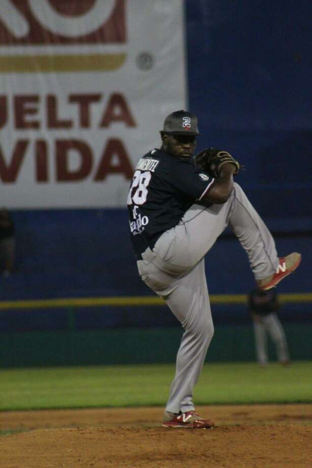 The Tecolotes Dos Laredos overcame a blown save in the ninth to win 4-1 in 10 innings at Olmecas de Tabasco Friday night. Cesilio Pimentel made his team debut throwing eight scoreless giving up only one hit. Photo: Courtesy Of The Tecolotes Dos Laredos