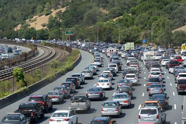 Orinda chase ends in fatal crash, closing westbound Highway 24 for