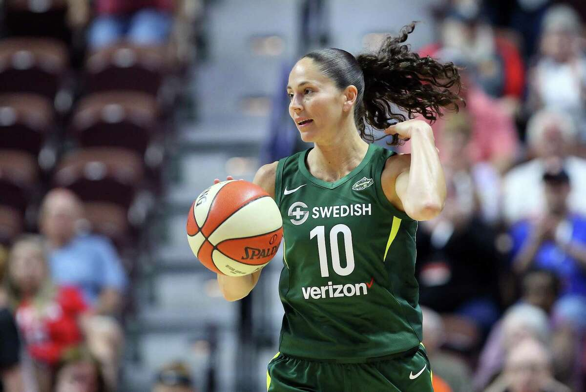 UNCASVILLE, CT - JULY 20: Seattle Storm guard Sue Bird (10) brings the ball up court during a WNBA game between Seattle Storm and Connecticut Sun on July 20, 2018, at Mohegan Sun Arena in Uncasville, CT. Seattle defeated Connecticut 78-65. (Photo by M. Anthony Nesmith/Icon Sportswire via Getty Images)