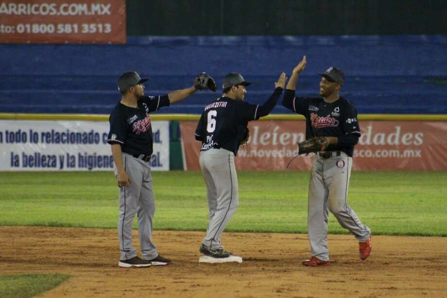 The Tecolotes Dos Laredos won 3-2 over the Olmecas de Tabasco Saturday night to win nine of their last 11 games and clinch a fourth straight series win. Photo: Courtesy Of The Tecolotes Dos Laredos