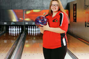 Alton High's Alex Bergin captured the individual championship at the Alton Regional as a junior and is the 2018 Telegraph Girls Bowler of the Year.