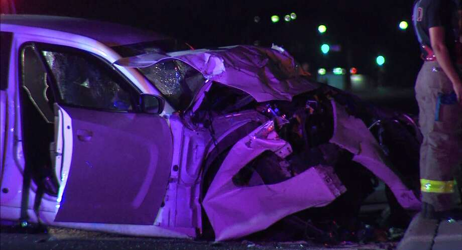 Officers said an unknown vehicle, which left the scene, caused the Dodge to hit the SUV. Photo: JJ Trevino / 21 Pro Video