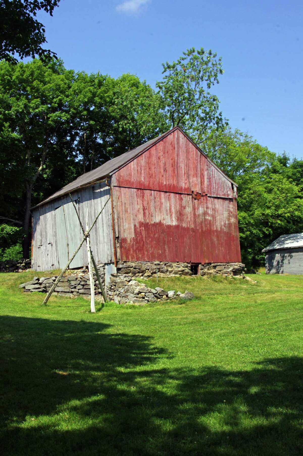 The Rettich barn is listed in the Historic Barns of Connecticut list.