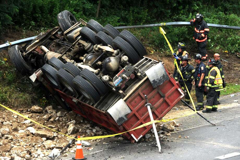 Rollover accident in Bridgeport jams up Route 8