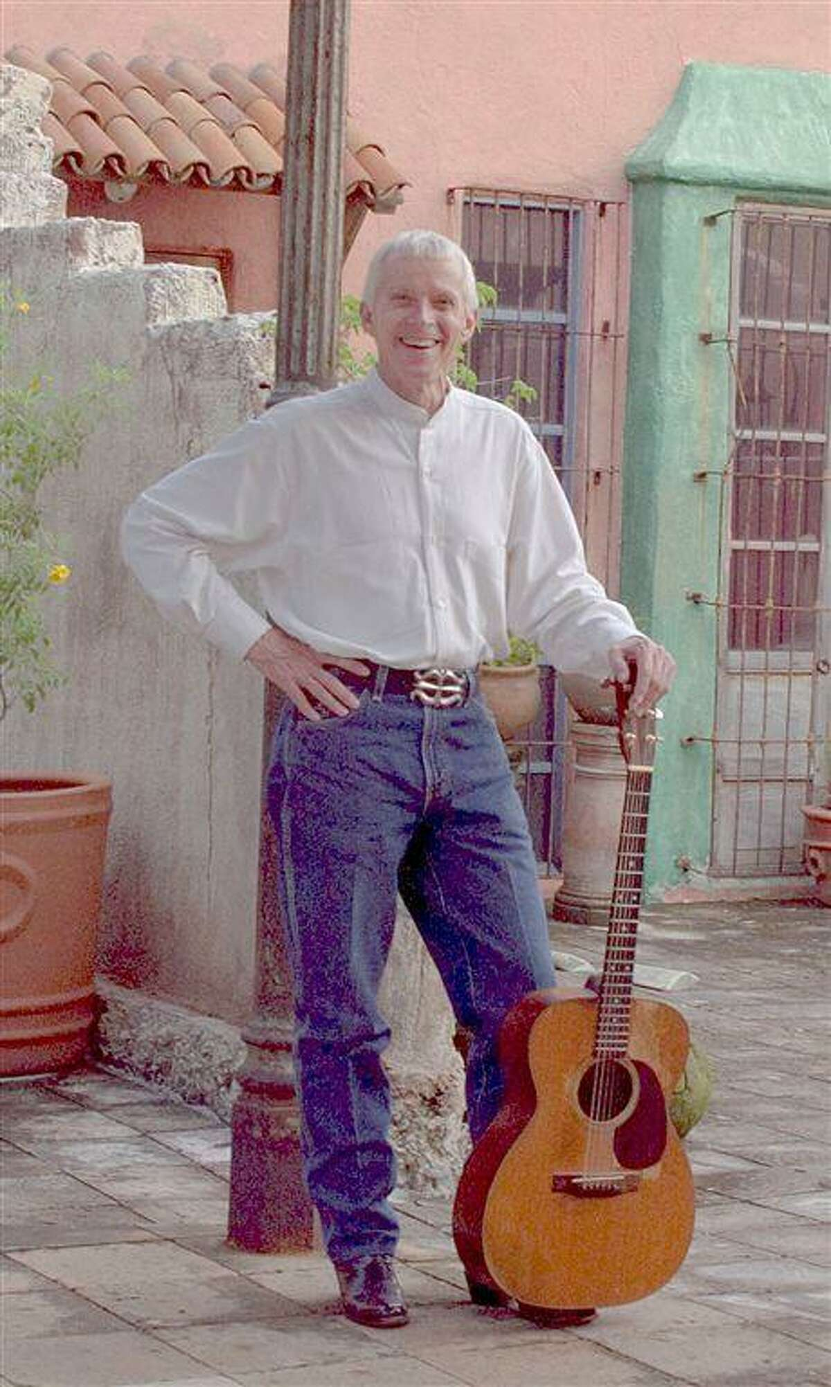 Spellbinding storyteller Don Sanders was a longtime fixture in the Houston music scene. He died this past weekend, at age 73.