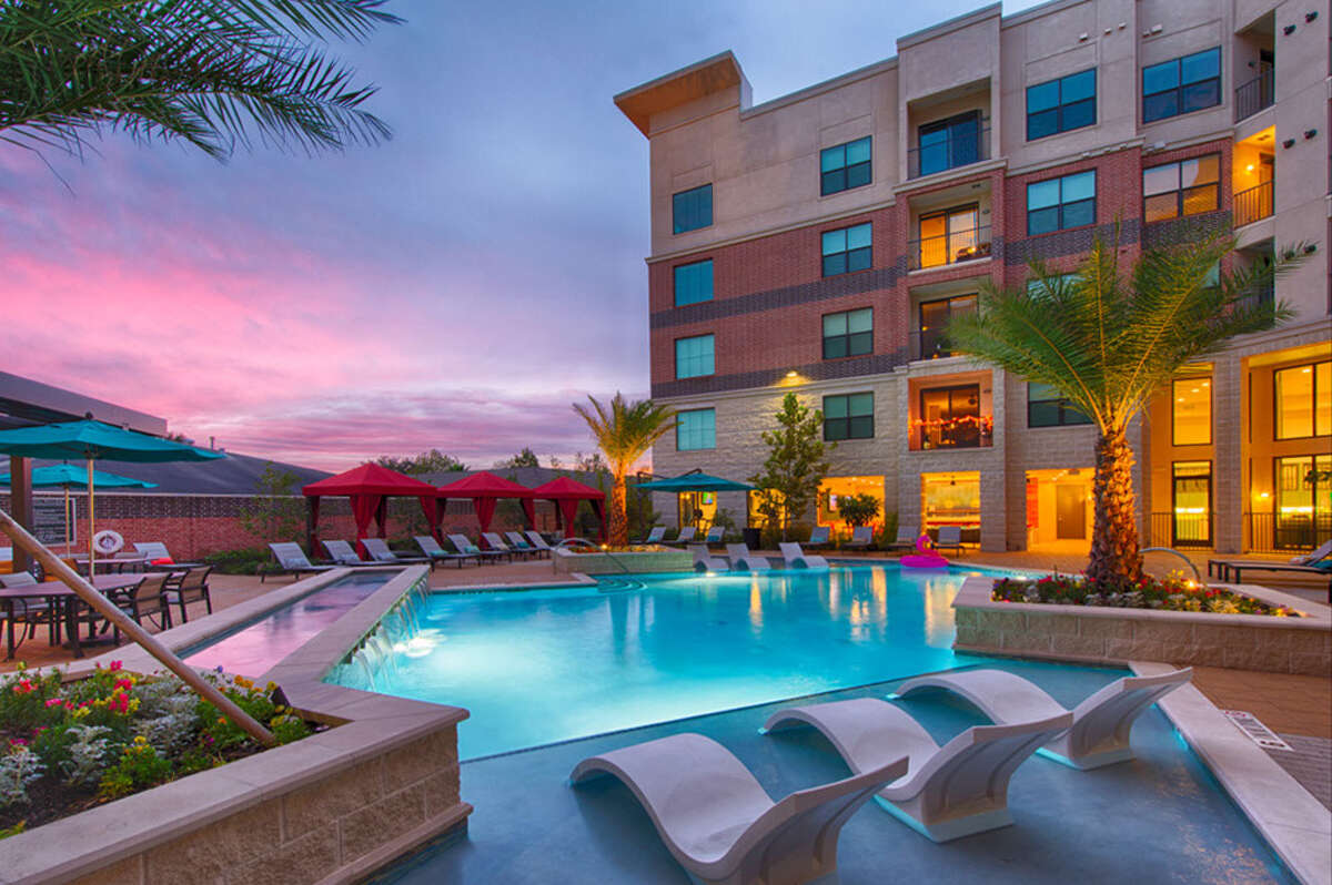 Millennium Kirby Units: 378 Address: 7600 Kirby Houston, TX 77030 Owner/management: The Dinerstein Companies Developed: 2016 Features: 24-hour fitness facility with chilled towels and complimentary fitness classes three days a week, a Hydro massage room, resort style pool.