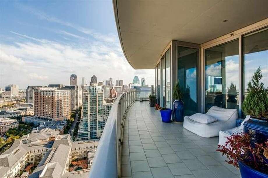 >>Texas homes with incredible views of Houston, Dallas, San Antonio and Austin. Photo: Realtor.com