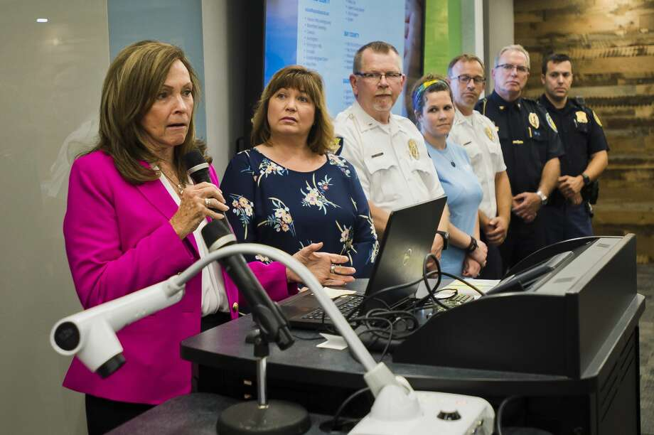 Judge Linda Davis, president of Families Against Narcotics, speaks during an event celebrating the launch of the Hope Not Handcuffs program on Tuesday, July 24, 2018 at Delta College. The program allows individuals suffering from addiction to come to local law enforcement agencies in Midland, Bay and Saginaw counties and ask for help. (Katy Kildee/kkildee@mdn.net) Photo: (Katy Kildee/kkildee@mdn.net)