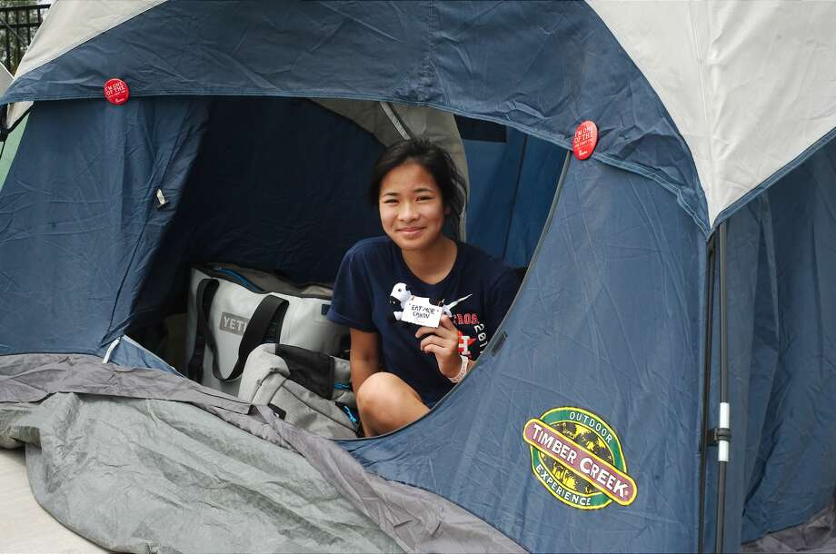 Pearland residents camp out to win free Chick-fil-A for a year Tuesday, Jul. 24. Photo: Kirk Sides/Houston Chronicle