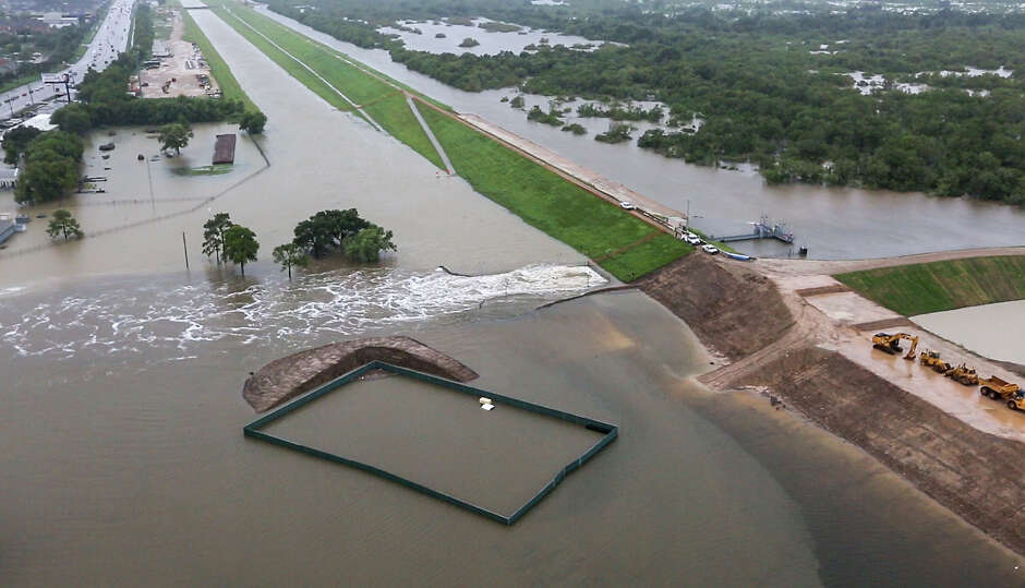 Then And Now Photos Show How Hurricane Harvey Flooded