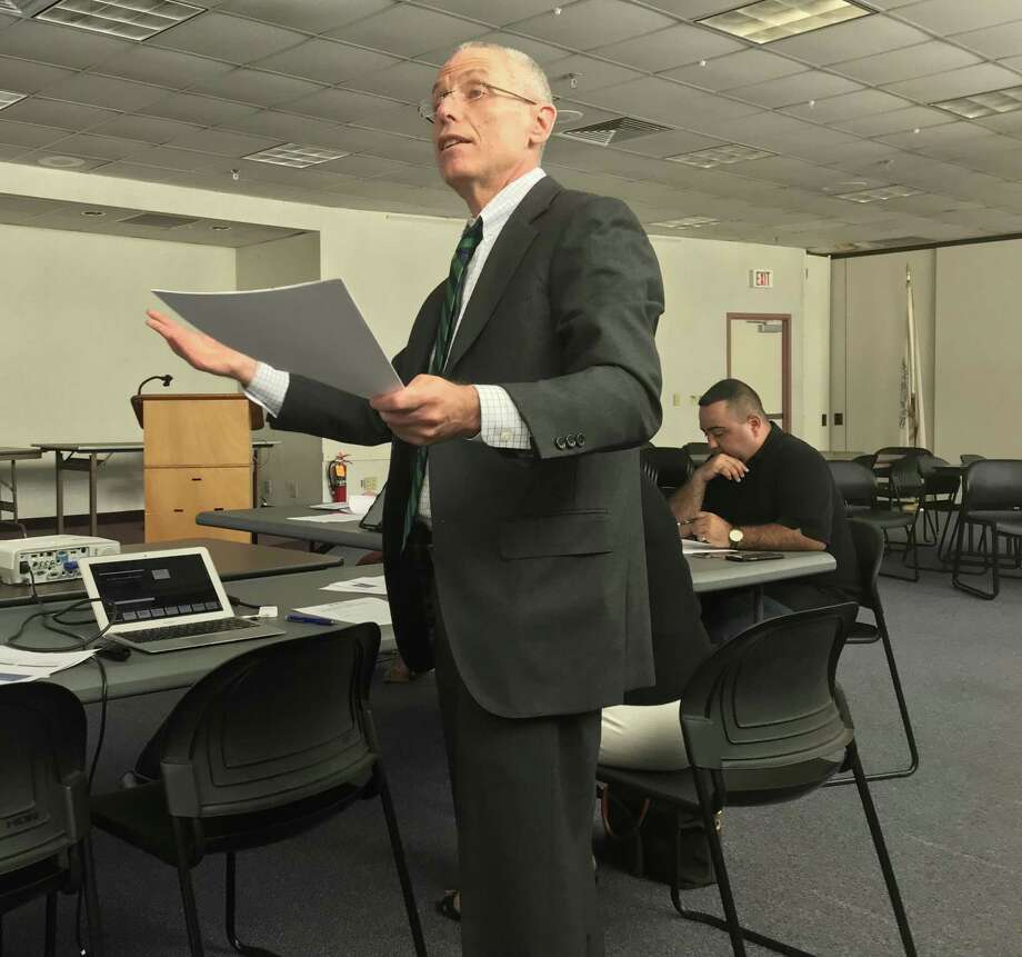 Jeffrey Gruen, principal researcher for the Lexinome Project, speaks to a Board of Education committee. Photo: Brian Zahn /