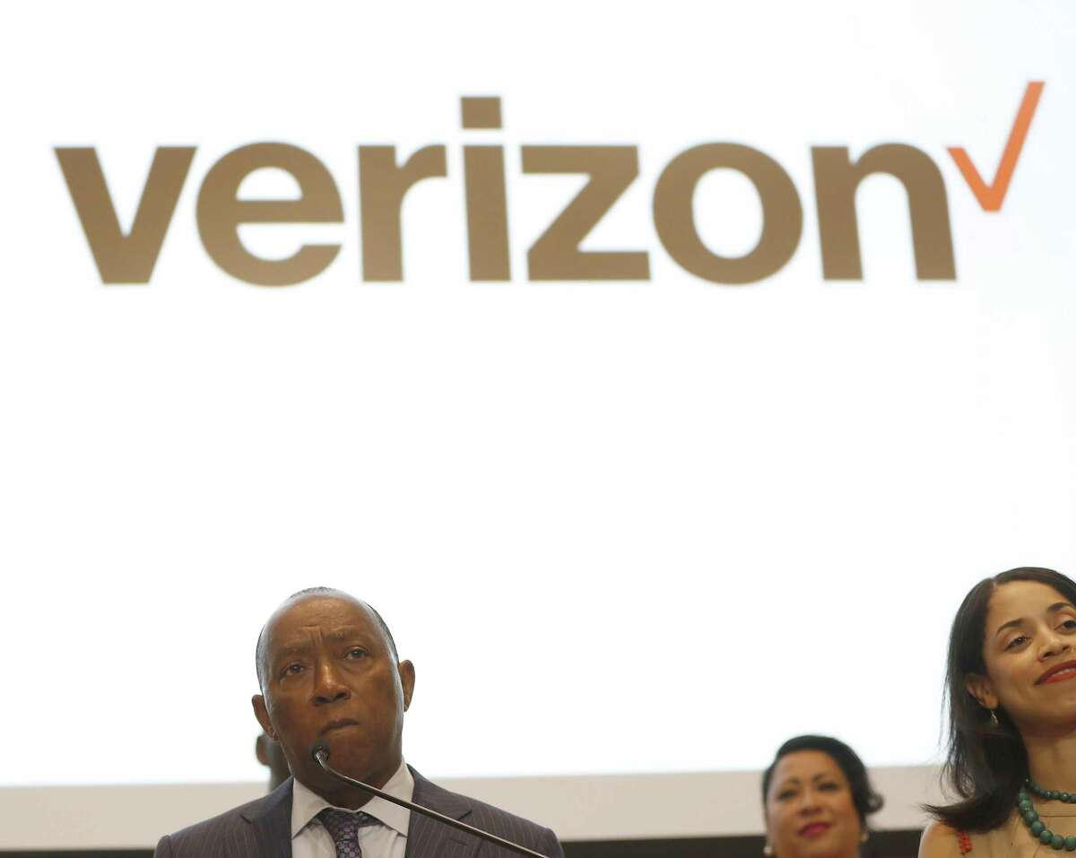 Mayor Sylvester Turner speaks during a press conference, Tuesday, July 24, 2018, in Houston, to announce Verizon Wireless' plans to launch 5G technology in Houston starting in the second half of 2018, becoming the third city in Verizon's four-market deployment plan to deliver residential 5G broadband service. ( Karen Warren / Houston Chronicle )
