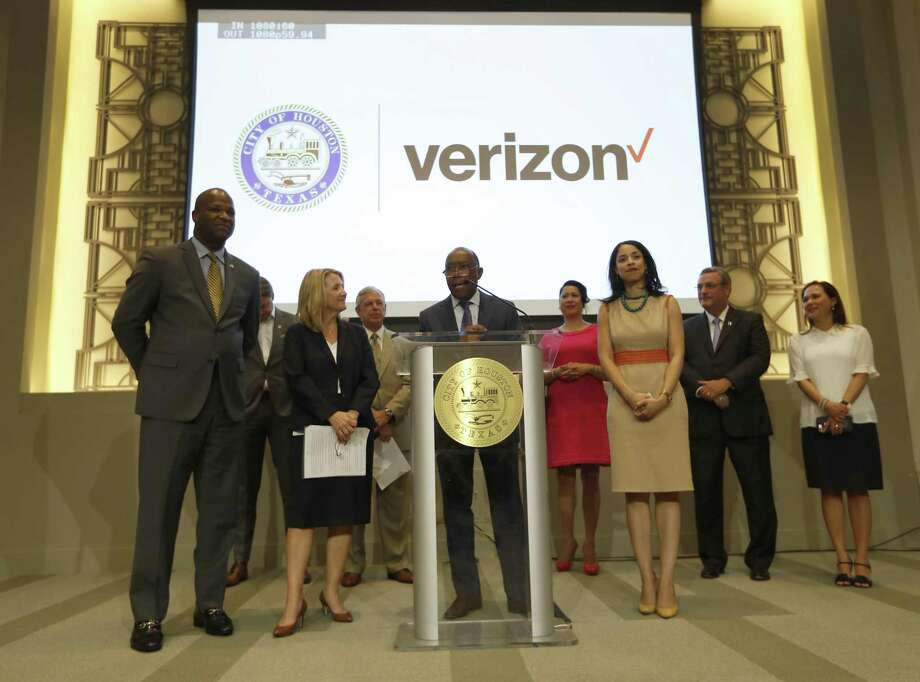 Mayor Sylvester Turner speaks during a press conference, Tuesday, July 24, 2018, in Houston, to announce Verizon Wireless' plans to launch 5G technology in Houston starting in the second half of 2018, becoming the third city in Verizon's four-market deployment plan to deliver residential 5G broadband service.   ( Karen Warren  / Houston Chronicle ) Photo: Karen Warren, Staff / Houston Chronicle / © 2018 Houston Chronicle