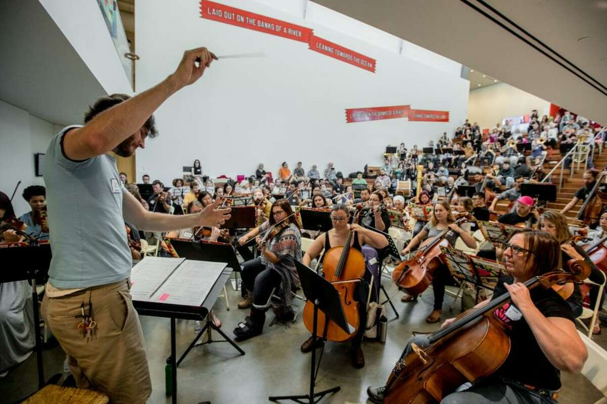 The Awesöme Orchestra Collective premieres the third movement of Arturo Rodriguez's