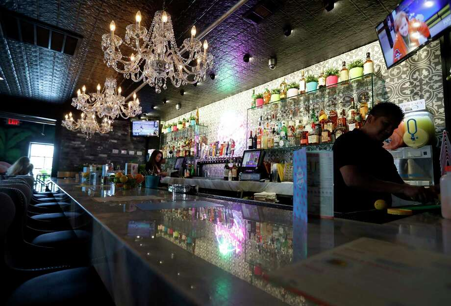 Houston 39 s best new bars to relax and forget your troubles - The living room lounge houston tx ...
