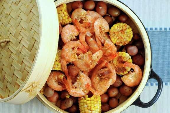 Beer-steamed shrimp boil