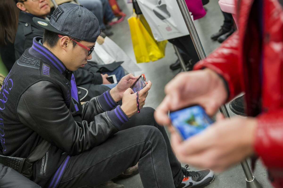 The top lost and found items left on BART from 2017 to 2018 Item: Cell phonesTotal found in 2017-2018: 4,878