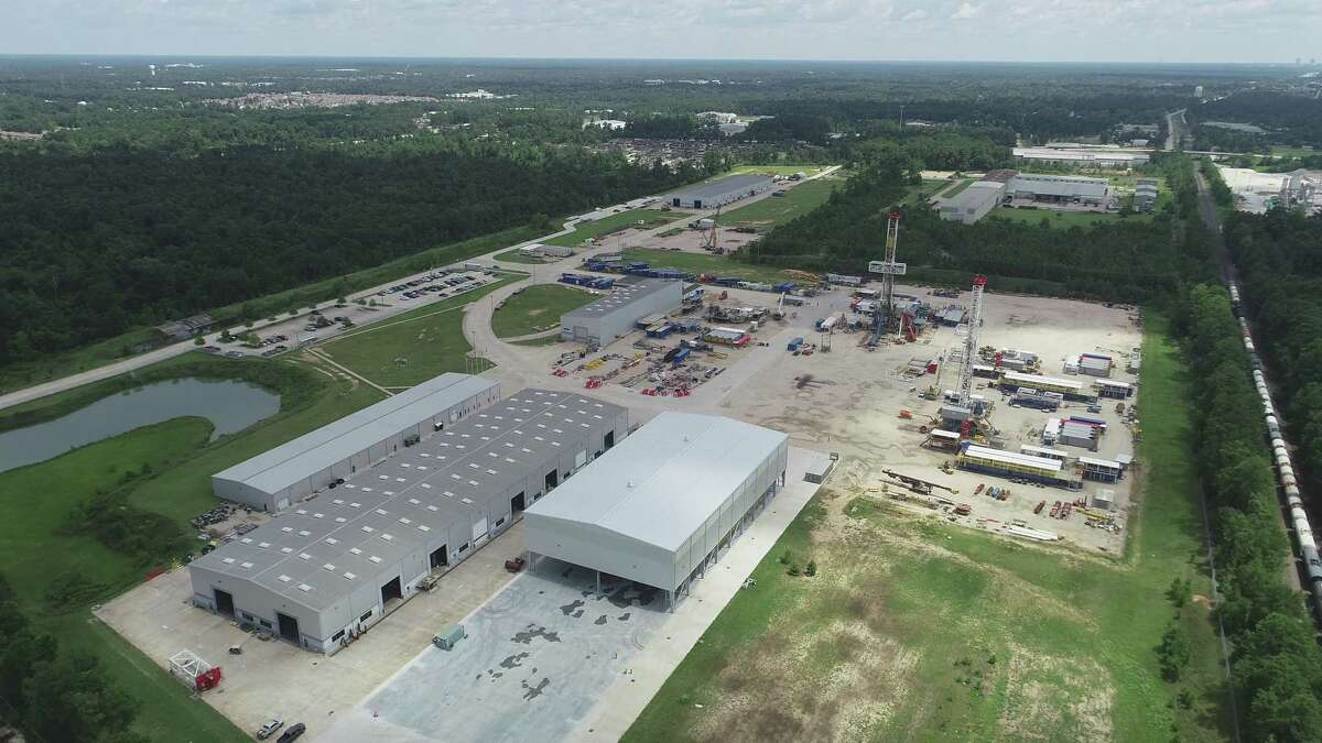 NEORig, a manufacturer of land drilling rigs and associated products, has added57,024 square feetof assembly spaceat its 80-acre Conroe Business Park campus atat 100 North FM 3083 East.KDW, a Houston-based design/build firm, handled the project.