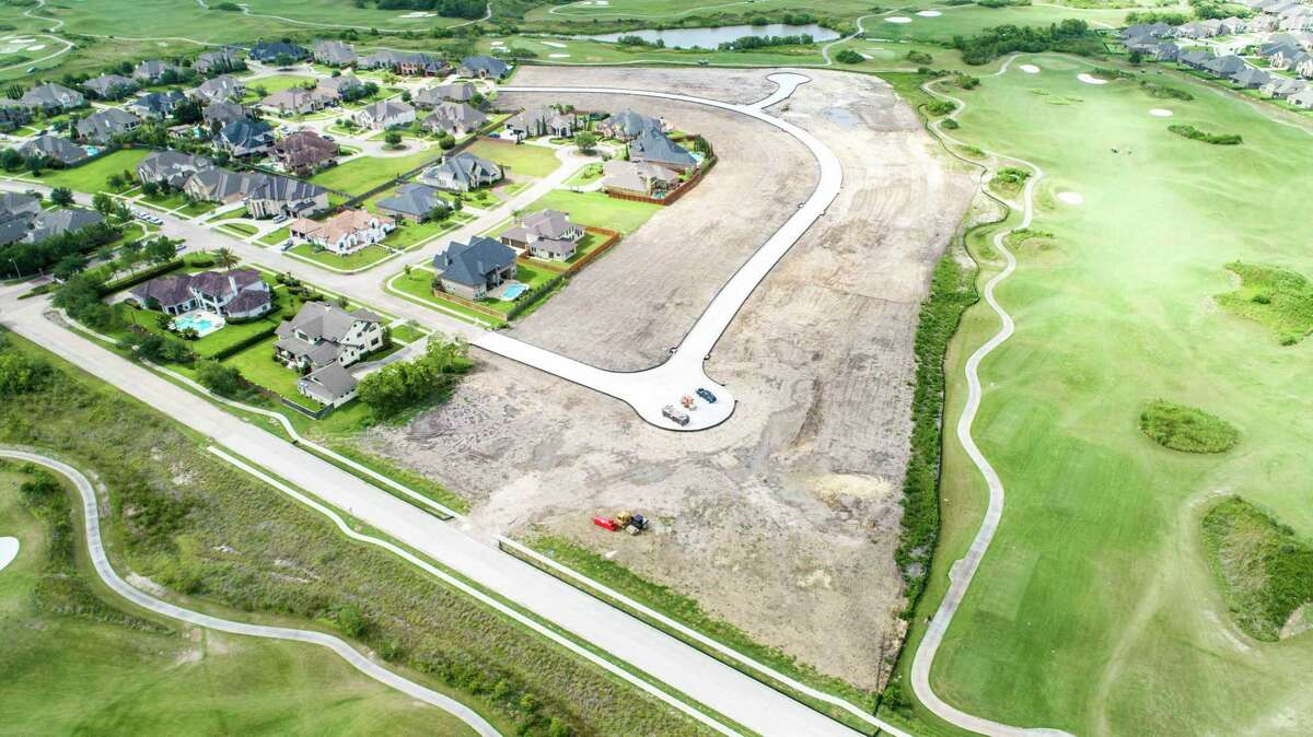 Wheelock Communities has started selling lots in one of the final neighborhoods in League City's Magnolia Creek along the golf course.