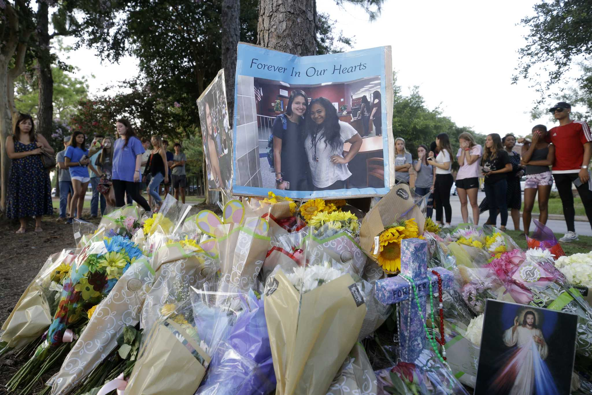 Stunned Atascocita community mourns teens killed in late