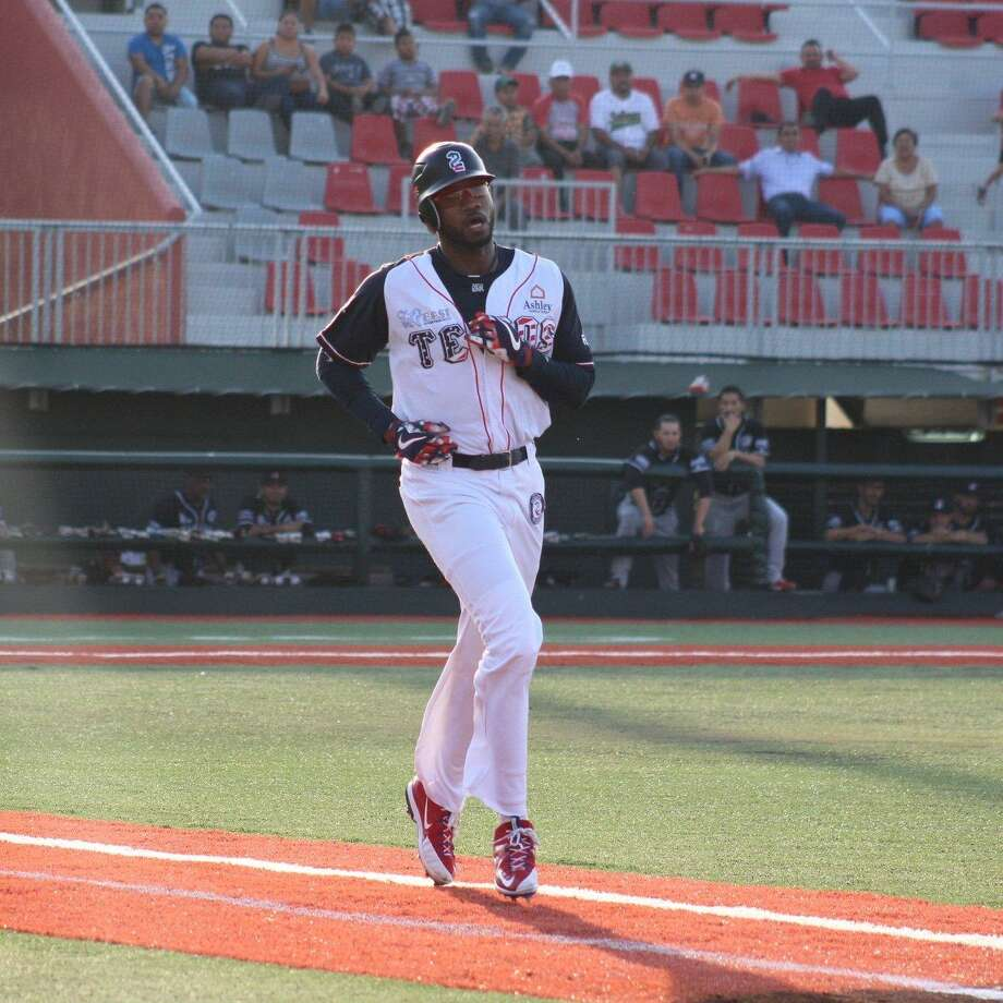 Tecolotes right fielder Domonic Brown hit his sixth home run of the season Wednesday against Tijuana. Photo: Courtesy Of The Tecolotes Dos Laredos