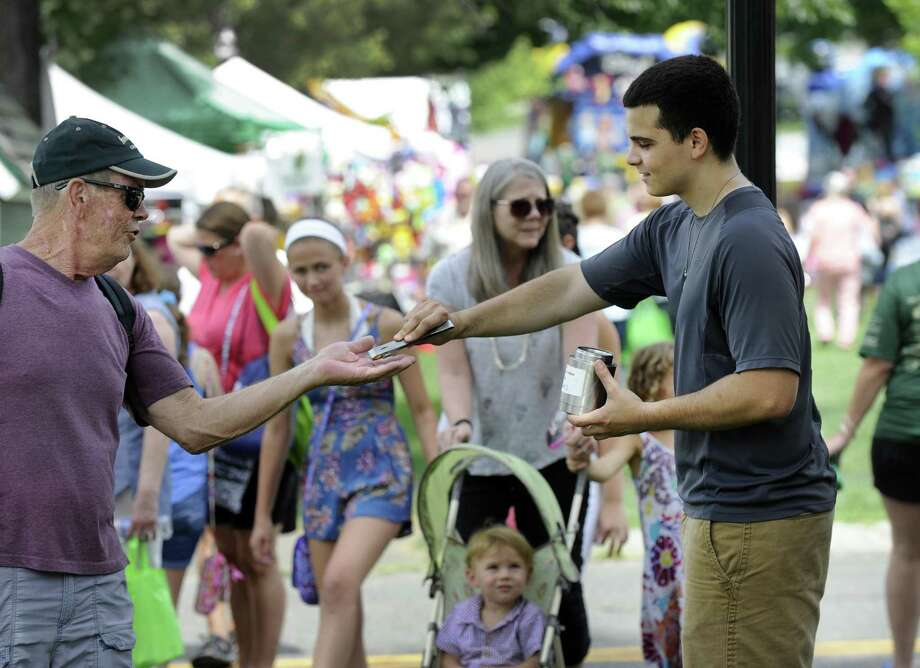 File photo of the 2017 Village Fair Days in New Milford. Photo: Carol Kaliff / Hearst Connecticut Media / The News-Times