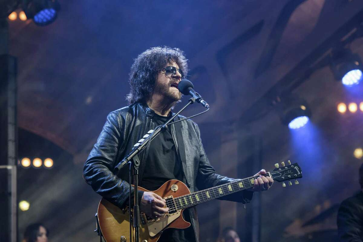 Jeff Lynne is bringin the Electric Light Orchestra back to the United States.