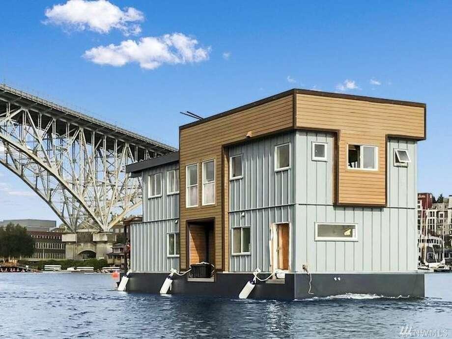 Houseboat on Lake Union Photo: Realtor.com