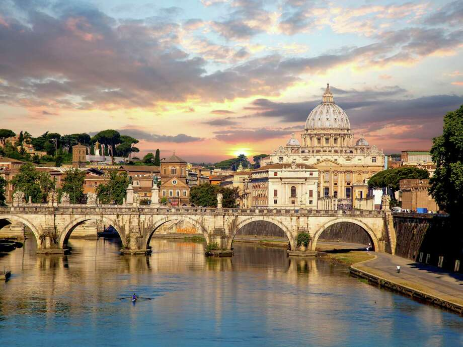 Access Italy provides custom tours with exclusive access to sites like the Vatican. Photo: Access Italy, Contributor / Access Italy / extravagantni