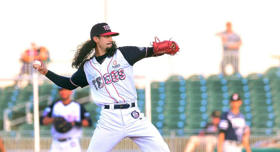 Starting pitcher Terance Marin threw six innings allowing one run in a win over the Toros Thursday night. He is now 2-0 with a 2.86 ERA. Photo: Cuate Santos /Laredo Morning Times / Laredo Morning Times