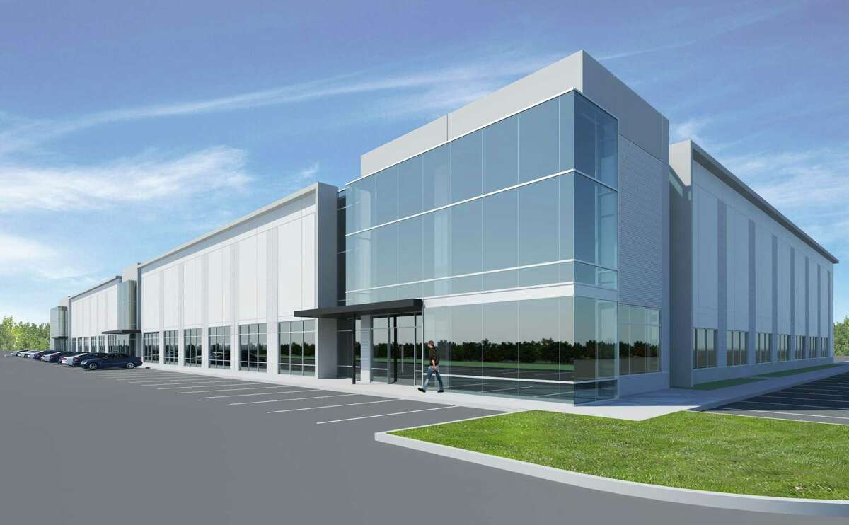 Hines has acquired 107 acres at the southeast corner of the Sam Houston Tollway (Beltway 8) and Gessner Road from Maxxam Inc. Hines will develop 1.5 million square feet of industrial/logistics space at Grand National Business Park. The first phase will consist of 500,000 square feet of logistics space.The site is adjacent tothe Sam Houston Race Park in northwest Houston. Hines will offer an amenity retail center on the Beltway 8 frontage along with a business-class hotel.
