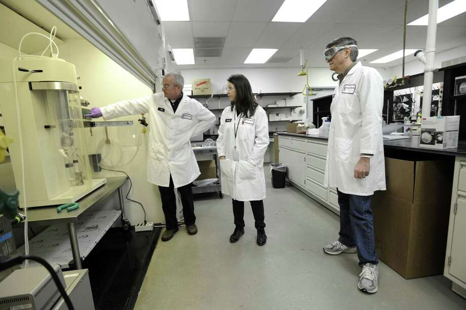 MannKind Corp. chemists lead a tour in 2016 at the company's facility in Danbury, Conn. Photo: Carol Kaliff / Hearst Connecticut Media / The News-Times